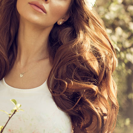 Incluye peinado con el pelo suelto como ondulaciones o liso con plancha