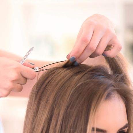 Incluye peinado con secador, del día a día, como marcar.
